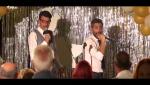 Hotel Romántico - Los huéspedes cantan junto a Roberto y Elías en un karaoke