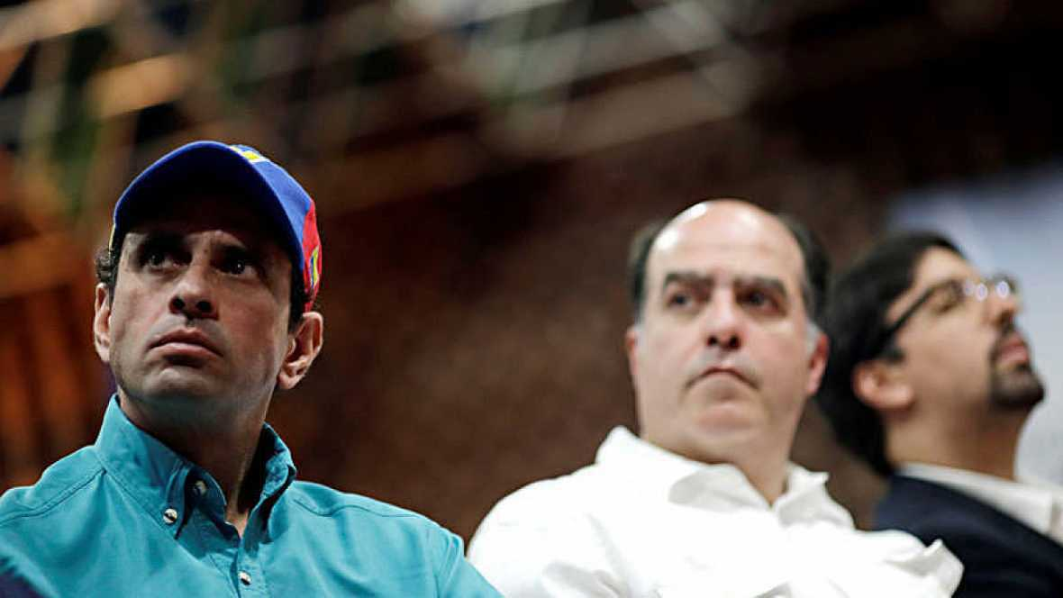 La oposición de Venezuela decide presentar candidatos para las elecciones regionales