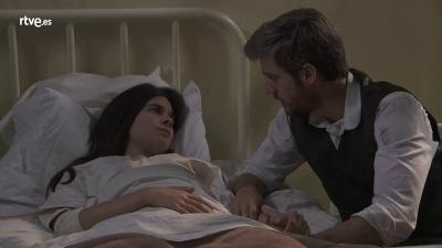 Acacias 38 - Teresa despierta después de días inconsciente