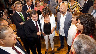 Acuerdo entre Podemos y PSOE para gobernar en Castilla la Mancha