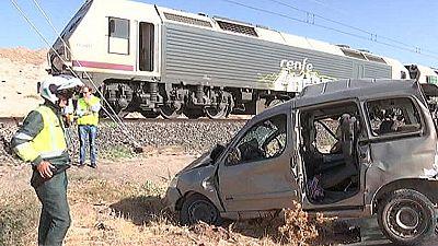 Dos hombres mueren al ser arrollado por un tren el coche en el que viajaban en un paso a nivel en Almagro