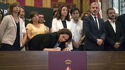 El Ayuntamiento de Barcelona abre un libro de condolencias para recoger las muestras de duelo de los ciudadanos