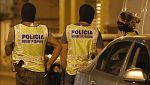 Los Mossos finalizan los registros en un piso de Vilafranca y en un locutorio de Ripoll