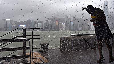 El tifón Hato barre Hong Kong, Macao y varias provincias del sur de China