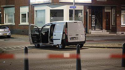 La policía holandesa detiene a un español en Rotterdam que llevaba una furgoneta cargada con bidones de gas