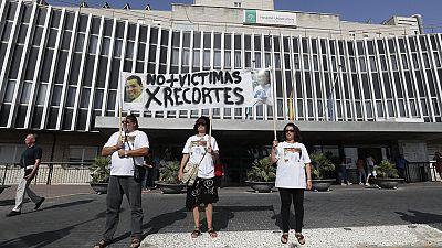La familia de la víctima del ascensor de Valme denunciará a la Junta, al hospital, al fabricante y a la empresa de mantenimiento