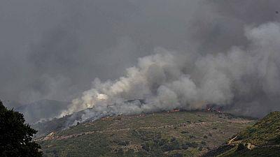 El incendio de la comarca leonesa de La Cabrera no está controlado todavía