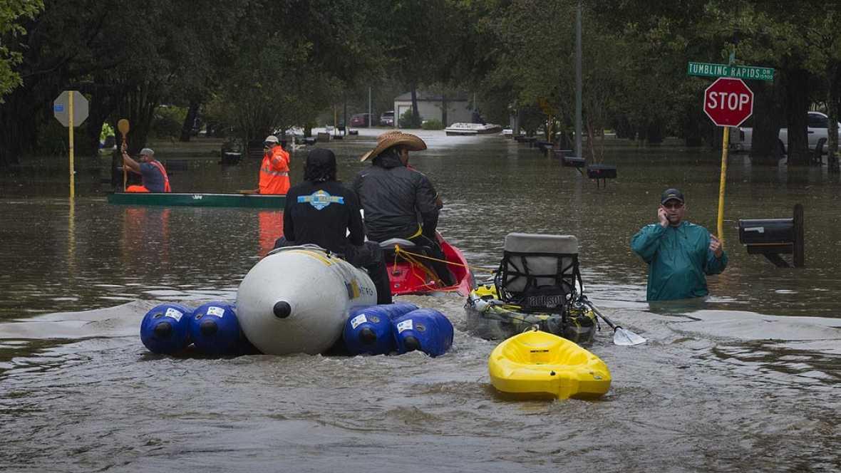 Houston vive su primera noche bajo el toque de queda para evitar saqueos tras Harvey