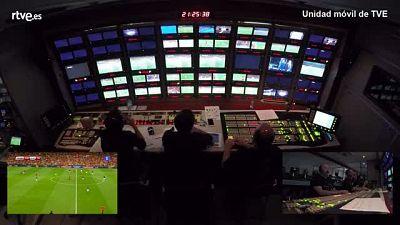 El jugador malagueño levantó al público de sus asientos, así se vio en las televisiones gracias al equipo de realización de TVE.