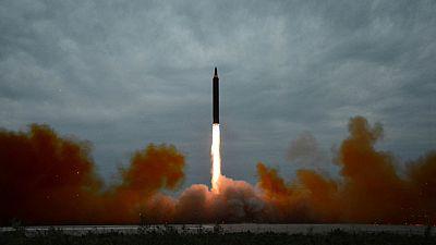 El término bomba H es la forma popular de denominar a las bombas termonucleares