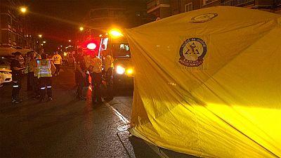 Muere un niño tras ser arrollado por un coche que impactó contra la tienda familiar en Madrid