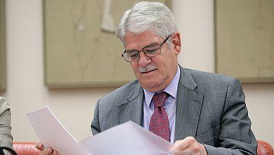 Dastis defiende la legalidad de su estancia en la embajada de Quito