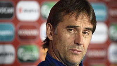 El seleccionador español de fútbol, Julen Lopetegui, ha intentado rebajar la euforia tras la victoria sobre Italia y ha recordado que España aún no está clasificada, en la previa del partido contra Liechtenstein.