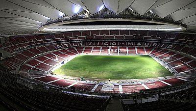 El nuevo estadio del Atlético de Madrid ya cuenta con el césped sobre el que jugará el equipo rojiblanco a partir del próximo 16 de septiembre.