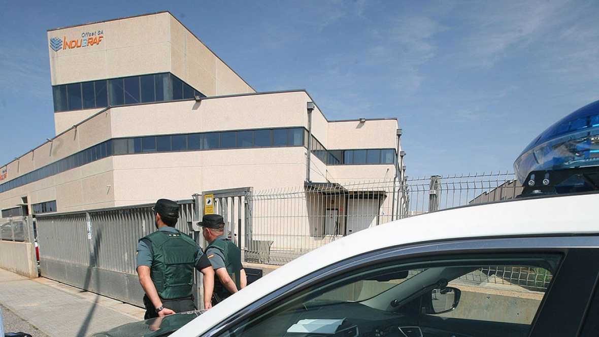 La Guardia Civil finaliza, tras dos horas, el registro de la imprenta de Tarragona en busca de documentación del 1-O