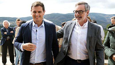 """Ciudadanos ha presentado una moción en el Congreso para apoyar """"sin complejos"""" al Gobierno y a los jueces a la hora de impedir el referéndum catalán, y cuya votación obligará a todos los partidos a """"retratarse"""" ante este """"golpe a la democracia"""", segú"""