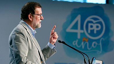 Rajoy apoya a los alcaldes de Cataluña ante el desafío independentista