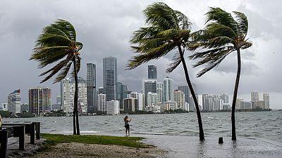 Miami decreta el toque de queda antes de la llegada del huracán Irma