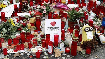 Casi un mes después de los atentados de Barcelona y Cambrils, gran parte de las ofrendas con las que miles de ciudadanos mostraron su duelo han comenzado a catalogarse en el archivo y museo de Barcelona...Unos homenajes que todo el mundo podrá consul