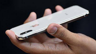 ¿Gastar el sueldo de un mes en un teléfono móvil?