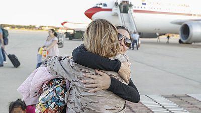 """Los españoles afectados por el huracán Irma llegan a Madrid: """"Era imposible vivir ahí"""""""