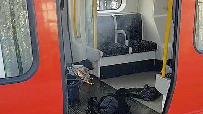 Así ardía el artefacto tras explotar en un vagón del metro de Londres dejando varios heridos