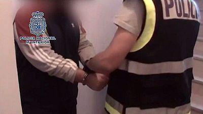 La policía detiene en Madrid a un fotógrafo por abusar sexualmente de ocho jóvenes
