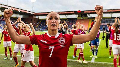 La selección femenina de Dinamarca pide la igualdad en el fútbol