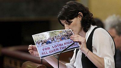 Todos los grupos, salvo PP y UPN, respaldan la proposición de ley contra la discriminación del colectivo LGTBI