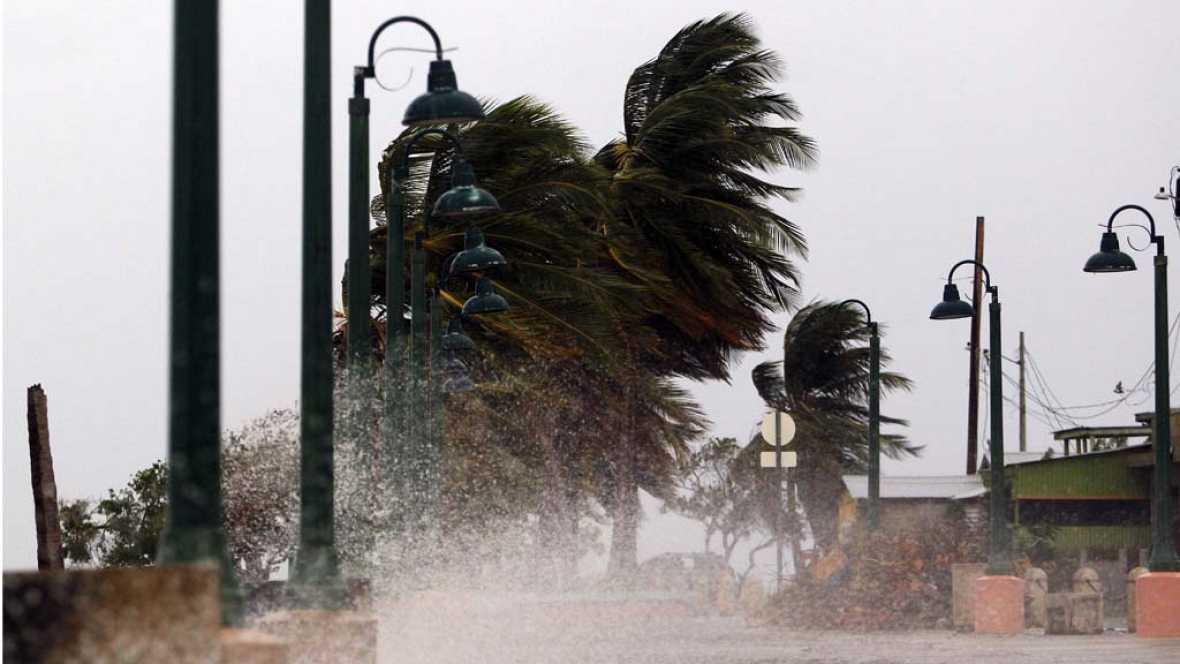 """Resultado de imagen de El """"extremadamente peligroso"""" huracán María, a pocas horas de tocar tierra en Puerto Rico"""
