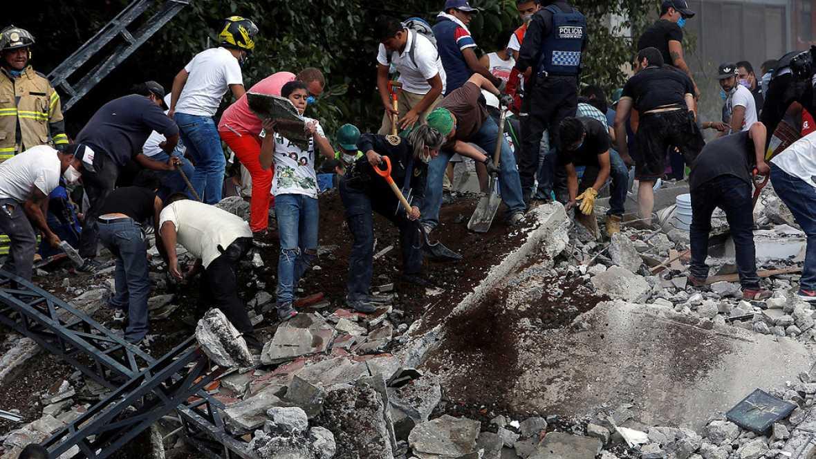 México busca a un número indeterminado de atrapados entre los escombros