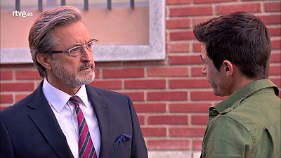 """Servir y proteger - Marcelino a Rober: """"No está a la altura de Alicia"""""""