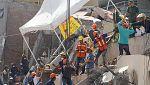 Carrera contra reloj para rescatar a Frida, atrapada bajo los escombros de una escuela en México