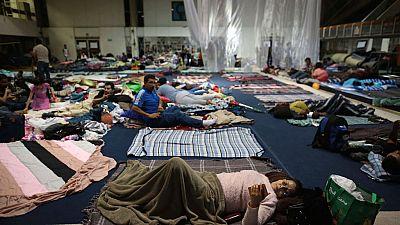 La ayuda llega con dificultad en la periferia de la capital mexicana
