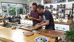 Torres en la cocina - Tallarines de sepia, gofres de pollo