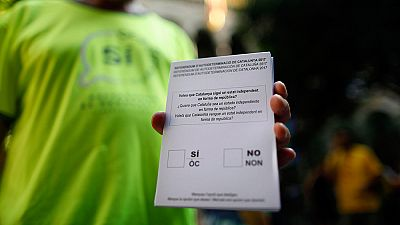 Referéndum en Cataluña: La Guardia Civil requisa 2,5 millones de papeletas y cuatro millones de sobres en Igualada