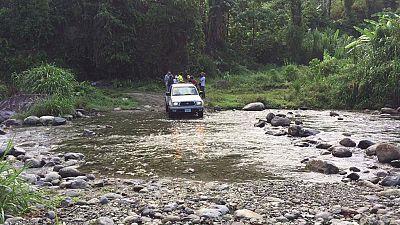 Pueblo de Dios - Cruzando ríos en la sierra hondureña