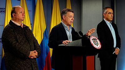 El presidente de Colombia firma un decreto para iniciar el cese al fuego con el ELN