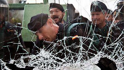 Cargas policiales cuando los agentes trataban de cerrar los centros electorales