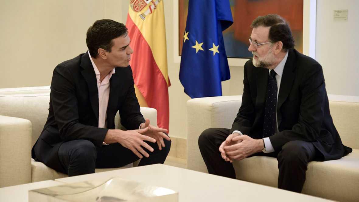 Sánchez reclama a Rajoy negociar ya con Puigdemont y Rivera pide aplicar el artículo 155