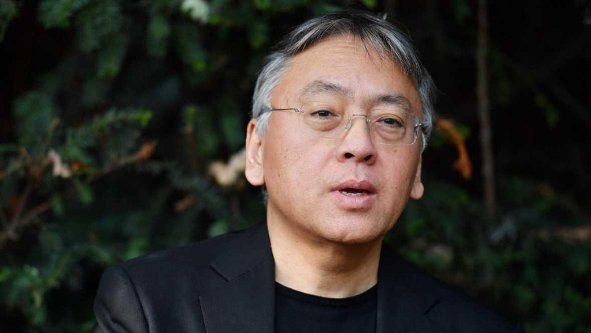 El escritor inglés de origen japonés Kazuo Ishiguro ha ganado el premio Nobel de Literatura