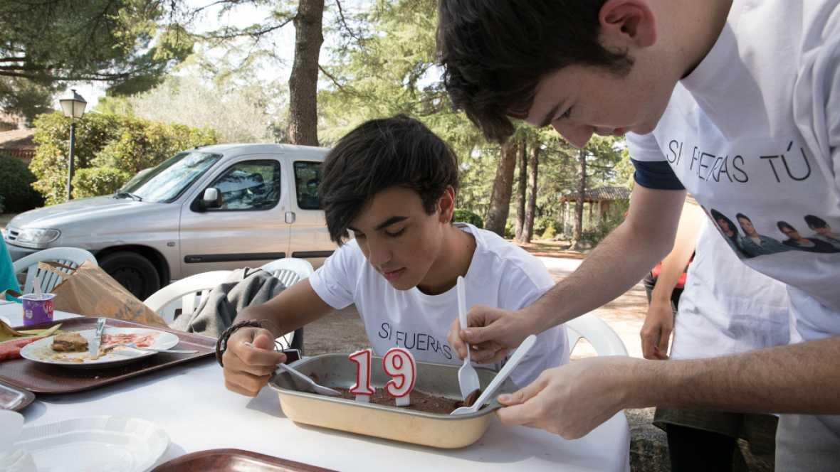 Si fueras tú - El equipo de 'Si fueras tú' celebra el cumpleaños de Óscar Casas