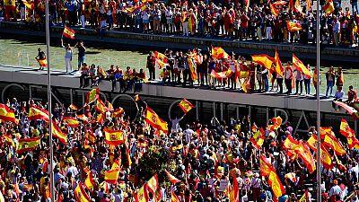 Miles de personas se concentran en la Plaza de Colón en Madrid en defensa de la unidad de España