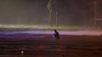 El huracán Nate, degradado a tormenta tropical tras tocar la costa sur de EE.UU.