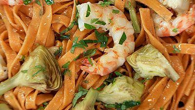 Torres en la cocina - Tagliatelle de tomate con alcachofas