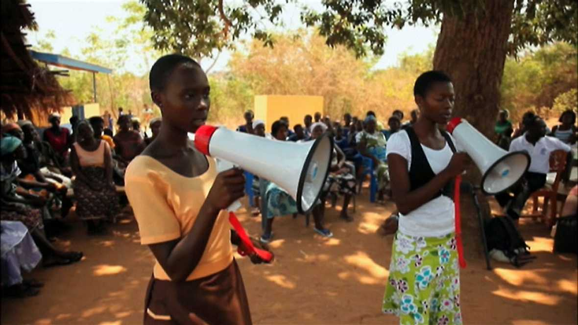 Día Internacional de la Niña para sensibilizar sobre la desprotección de muchas niñas en  el mundo