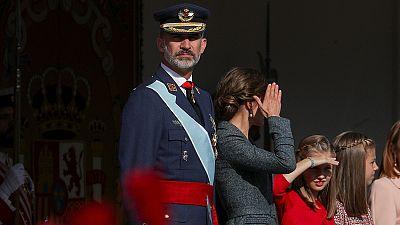 """Los reyes presiden un 12 de octubre con """"vivas"""" a España en medio de la crisis catalana"""