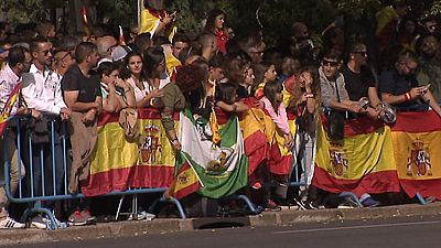 Españoles de todas las procedencias han querido asistir al desfile de la Fiesta Nacional