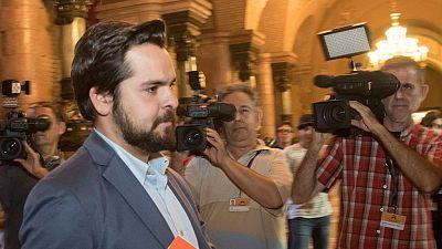 Las formaciones políticas piden Puigdemont a que regrese a la legalidad