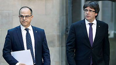 La Generalitat afirma que no se rendirá e insta a Mariano Rajoy a elegir entre diálogo o represión